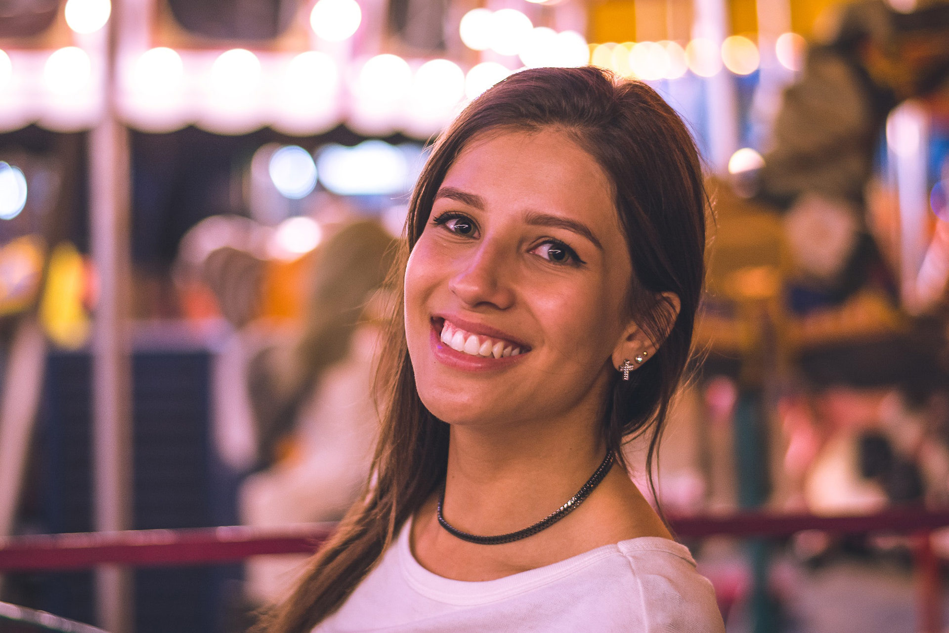 zdrowy, biały uśmiech